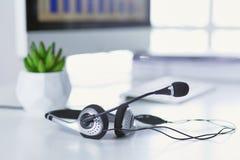 La ayuda, el centro de atención telefónica y el servicio de atención al cliente de comunicación ayudan al de fotos de archivo
