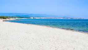 La bahía de Alghero en Cerdeña, Italia imagen de archivo