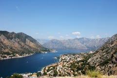 La bahía de Montenegro de Kotor de una altura Fotos de archivo