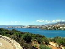 La bahía del mar de Agios Nikolaos imagen de archivo