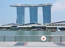 La bahía del puerto deportivo de Singapur enarena el hotel Fotografía de archivo libre de regalías