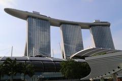 La bahía del puerto deportivo enarena el hotel en Singapur Imagen de archivo libre de regalías