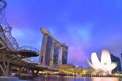 La bahía del puerto deportivo enarena el hotel, puente de la hélice, Singapur Fotografía de archivo