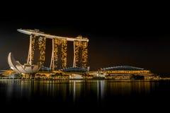 La bahía del puerto deportivo enarena el hotel, Singapur Fotografía de archivo libre de regalías