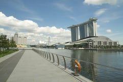 La bahía del puerto deportivo enarena la opinión del centro turístico Foto de archivo libre de regalías