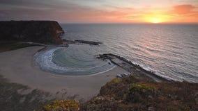 La bahía mágica en la salida del sol almacen de metraje de vídeo