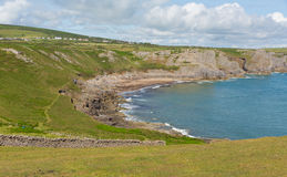 La baia BRITANNICA di caduta di Galles del sud della penisola di Gower vicino alla spiaggia di Rhossili ed alla baia di Mewslade Fotografia Stock