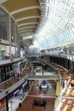 La baia del porticciolo insabbia il centro commerciale Fotografia Stock Libera da Diritti