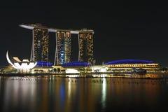 La baia del porticciolo insabbia la notte 1 di Singapore Fotografia Stock Libera da Diritti