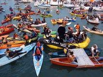La baia di McCovey ha riempito di kajak, di barche e di gente fotografia stock libera da diritti
