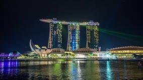 La baie de marina d'exposition de laser de Singapour ponce Timelapse banque de vidéos