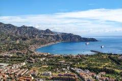 La baie de Taormina Images libres de droits
