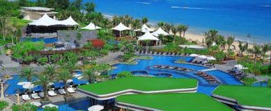 La baie de yalong de station de vacances de Holiday Inn, Chinois de Sanya font du jardinage Photos stock