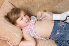 La bambina è malata Fotografie Stock