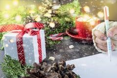 La bambina scrive la lettera a Santa Claus Fotografie Stock