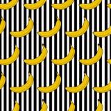 La banane sans couture colorée de modèle barre le fond Image stock