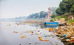 La Banca del fiume di Yamuna vicino a Taj Mahal L'India, Agra immagine stock libera da diritti