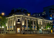 La Banca dell'edificio di Montreal alla notte, Victoria, BC, il Canada Fotografie Stock