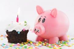 La Banca Piggy due di buon compleanno Immagini Stock Libere da Diritti