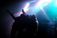 La banda de Cansei de Ser se realiza en teatro de variedades Foto de archivo libre de regalías