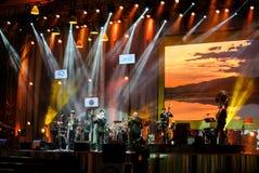 La banda de Jazz Minions se realiza en jazz en memoria en Bangsaen Imagen de archivo libre de regalías