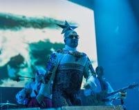 La banda di Verka Serduchka esegue al festival di fine settimana dell'atlante Kiev, Ucraina Immagini Stock Libere da Diritti