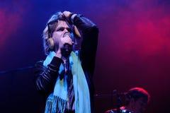 La banda frecuentada de la pintada de Ariel Pink se realiza en el festival 2012 del club de Primavera Imágenes de archivo libres de regalías