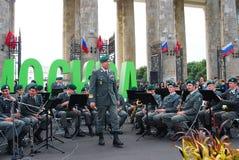 La banda militar el Tirol (Austria) se realiza en Moscú Imagen de archivo libre de regalías