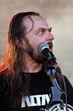 La bande d'autel exécute un concert de rock dur vivant Photo stock
