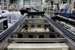 La bande de conveyeur et le convoyeur à chaînes dans l'industrie Photographie stock