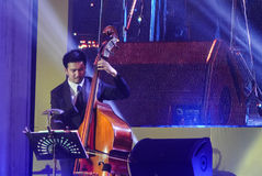 La bande de Jazz Minions exécutent dans le jazz dans la mémoire chez Bangsaen Image stock