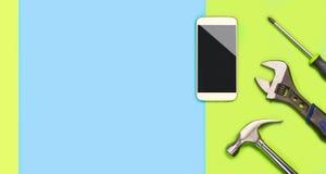 La bandera del fondo del arreglo de Smartphone con mucho espacio en blanco libre de la copia para el texto y el contenido para el Imagenes de archivo