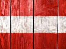 La bandiera dell'Austria ha dipinto su fondo di legno Immagine Stock