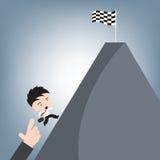 La bandiera della corsa di rivestimento del vincitore sulla collina e l'uomo di affari passano alto corrente, il concetto di succ Immagine Stock