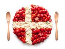 La bandiera della Danimarca ha fatto del pomodoro e dell'insalata Fotografia Stock Libera da Diritti