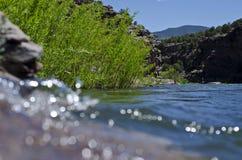 La banque de roche de la rivière Green photos stock