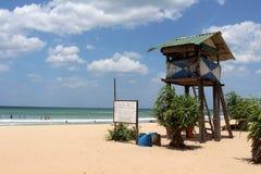 La baracca del bagnino della spiaggia di Nilaveli in Trincomalee fotografia stock