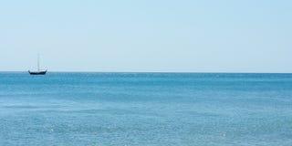 La barca dei pescatori è andato al mare Fotografia Stock