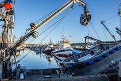 La barca di pesca professionale si è messa in bacino al terminale del ` s del pescatore a Seattle Washington immagine stock libera da diritti