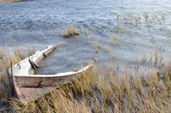 La barca nel lago Immagine Stock Libera da Diritti