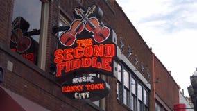 La barra delle seconde fiddle a Nashville - Nashville, Stati Uniti - 16 giugno 2019 video d archivio
