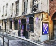 La barra scozzese dell'abitante degli altipiani scozzesi a Parigi, Francia Fotografia Stock