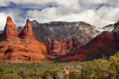 La barranca Sedona Arizona de la roca del rojo anaranjado de las monjas Fotos de archivo
