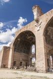 La basílica de Maxentius y de Constantino Imágenes de archivo libres de regalías