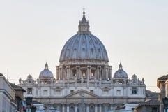 La basílica de San Pedro en la Ciudad del Vaticano, Italia Fotos de archivo