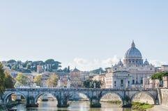 La basílica de San Pedro en la Ciudad del Vaticano, Italia Imagen de archivo libre de regalías