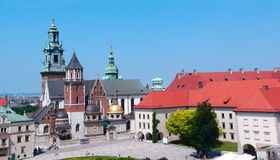 La basílica real de Archcathedral de los santos Stanislaus y Wenceslaus en Kraków, Polonia fotos de archivo libres de regalías