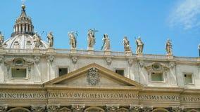 La bas?lica y la fuente de San Pedro panor?mico Ciudad del Vaticano, Roma, Italia 4k almacen de video
