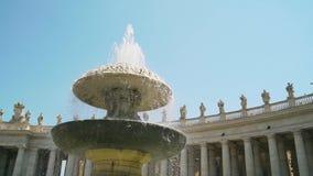 La bas?lica y la fuente de San Pedro panor?mico Ciudad del Vaticano, Roma, Italia 4k almacen de metraje de vídeo
