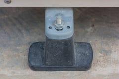 La base è fatta di gomma nera del compressore del condizionamento d'aria Immagini Stock Libere da Diritti
